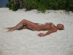 11. Голая Анастасия Волочкова на горячих фото с отдыха на Мальдивах