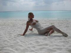 13. Голая Анастасия Волочкова на горячих фото с отдыха на Мальдивах