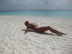 7. Голая Анастасия Волочкова на горячих фото с отдыха на Мальдивах