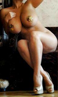 Горячие фото с голой Марией Зарринг (грудь, попа, киска)