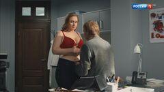 Светлана Колпакова в нижнем белье в сериале «Доктор Рихтер» (2017)