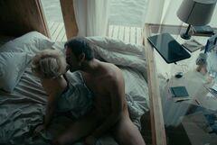 Горячая постельная сцена с обнаженной Валерией Шкирандо из сериала «Sпарта» (2017)