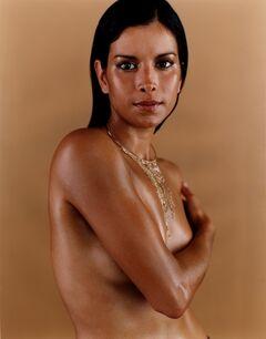 Горячие фото Патрисии Веласкес из журналов (голая грудь, фото в купальнике)