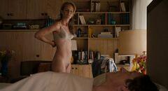 3. Полностью голая Хелен Хант в кино
