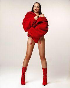 Горячие фото Саши Спилберг из эротических фотосессий