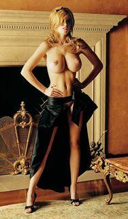 Голая Диора Бэрд на горячих фото (грудь, попа)