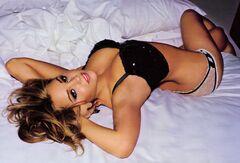 Эротические фото Аманды Байнс из «Максим»