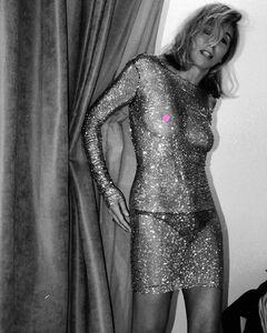 Откровенное фото Светланы Бондарчук (грудь, ножки)