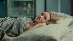 Екатерина Хомчук в нижнем белье в сериале «Улица» (2017-2018)