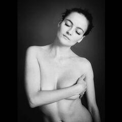 Голая Анастасия Шульженко на горячих фото
