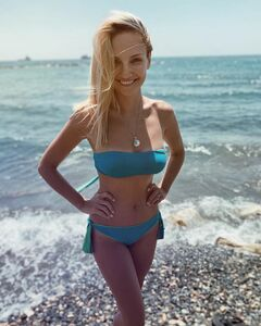 Мария Иващенко в купальнике