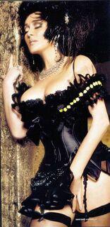 Эротические фото Лолиты Милявской в журнале «Пингвин»