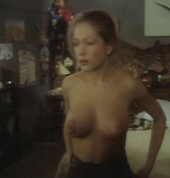 Эротические кадры с голой Эльвирой Болговой из других фильмов