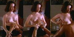 4. Кадры с обнаженной Холли-Мери Комбс из к/ф «Причина верить» (1995)