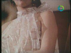 Засветы груди Лены Бирюковой в фильме «Брюнетка за 30 копеек» (1991)