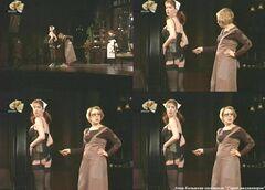 Эротические кадры Анны Большовой из спектакля «Город миллионеров»