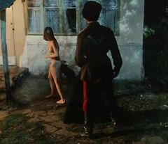 Попа Чулпан Хаматовой на горячих кадрах