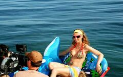 Наталья Сенчукова в купальнике + засветы