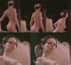 Кадры с полностью голой Ириной Берзуковой из фильмов (грудь, попа)