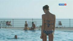 Ню фото Елены Радевич в купальнике (попа)