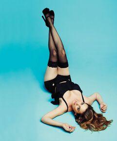 3. Горячие фото Алисии Сильверстоун в нижнем белье