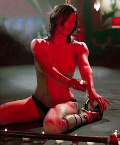 Голая Джессика Бил на эротических кадрах из кино