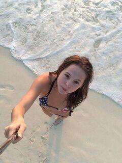 20. Анастасия Чистякова на фото в купальнике