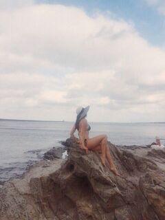 23. Анастасия Чистякова на фото в купальнике
