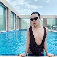 Фото Ян Гэ в купальнике