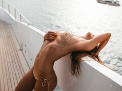 Виктория Одинцова в купальнике и нижнем белье