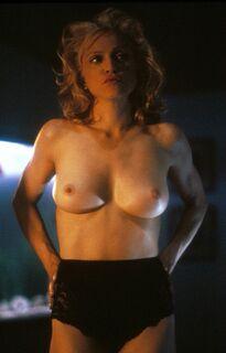Мадонна показала голую грудь в кино